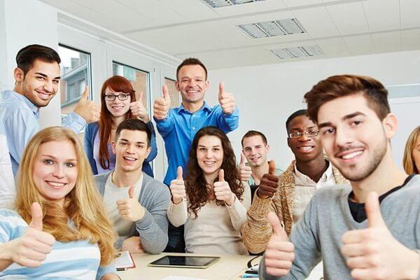 khoa hoc ielts tai trung tam 600x400 - Các khóa học IELTS tại trung tâm bạn nên biết