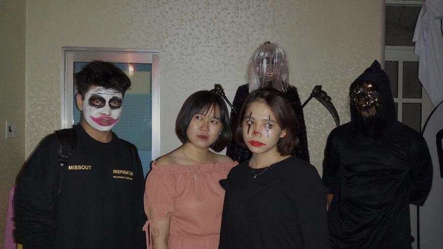 le hoi hoa trang halloween tai anh ngu uec da nang 10 - Lễ Hội Hóa Trang và Trao Giải Cuộc Thi Rùng Rợn Halloween UEC