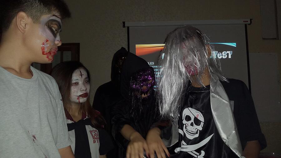 le hoi hoa trang halloween tai anh ngu uec da nang 17 - Lễ Hội Hóa Trang và Trao Giải Cuộc Thi Rùng Rợn Halloween UEC