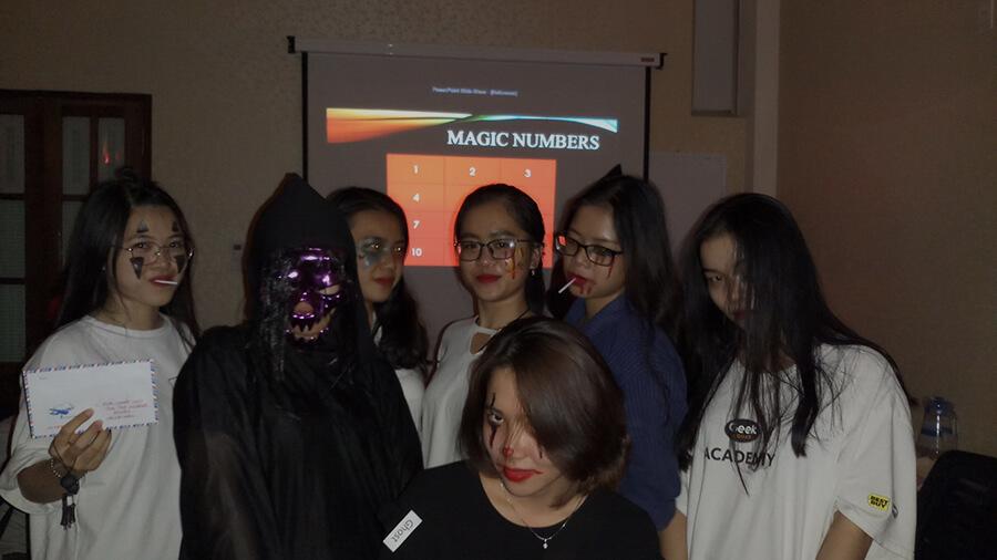 le hoi hoa trang halloween tai anh ngu uec da nang 19 - Lễ Hội Hóa Trang và Trao Giải Cuộc Thi Rùng Rợn Halloween UEC