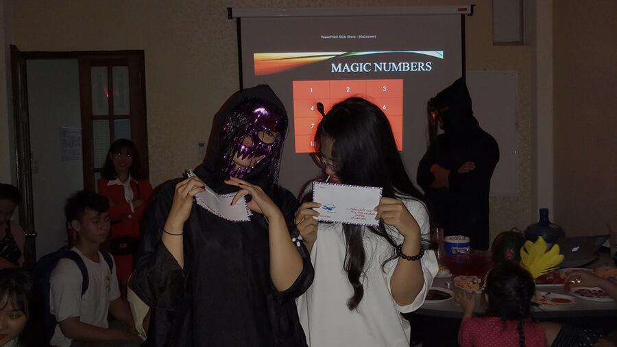le hoi hoa trang halloween tai anh ngu uec da nang 4 - Lễ Hội Hóa Trang và Trao Giải Cuộc Thi Rùng Rợn Halloween UEC