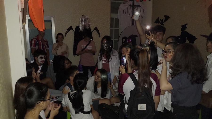 le hoi hoa trang halloween tai anh ngu uec da nang 6 - Lễ Hội Hóa Trang và Trao Giải Cuộc Thi Rùng Rợn Halloween UEC