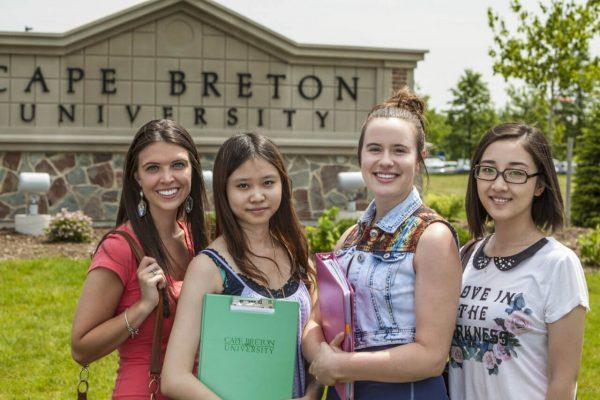 ly do nen theo hoc tai dai hoc cape breton 600x400 - Lý do nên theo học tại Đại học Cape Breton