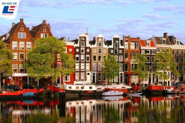 oncampus amsterdam ha lan 1 600x400 - Oncampus Amsterdam Hà Lan - Cơ hội chuyển tiếp lên đại học Amsterdam